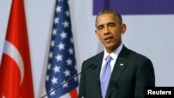 美国总统奥巴马在20国峰会一次会议之后对记者发表谈话(2015年11月16日)