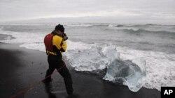 James Balog fotografira 'ledene dijamante' na Islandu, 2008.