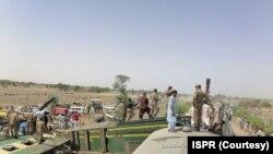Dîmenek ji qada qezaya trenê ya li Pakistanê