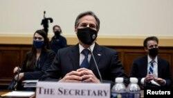 امریکی وزیر خارجہ اینٹونی بلنکن نے کانگریس کی امور خارجہ کمیٹی کی سماعت میں حصہ لیا ۔ پول فوٹو بذریعہ رائٹرز