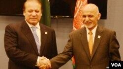 Arxiv surat. Pokiston Bosh vaziri Navoz Sharif (chapda) va Afg'oniston Prezidenti Ashraf G'ani