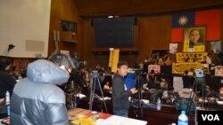 记者手记:夜访沦陷台湾立法院