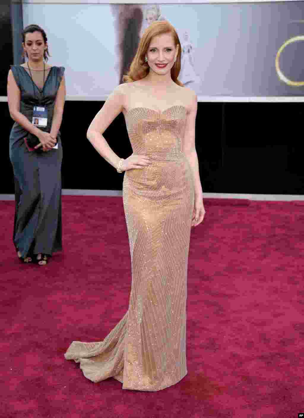 24일 아카데미 시상식을 위해 미국 로스앤젤레스 할리우드 돌비 씨어터에 도착한 배우 제시카 차스테인. 여우주연상 부문에 노미네이트되었다.