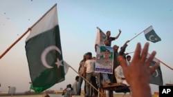 نیٹو حملے کے خلاف پاکستان میں تیسرے روز بھی احتجاج