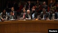 L'ambassadeur russe à l'Onu, Vitaly Churkin, vote contre la résolution déclarant invalide le futur référendum sur la Crimée. New York, le 15 mars 2014.