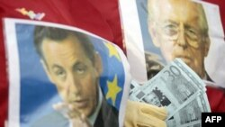 Sarkozy Zor Durumda