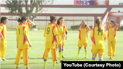 Tim sepakbola perempuan dari Karachi. (Foto: Courtesy/YouTube)