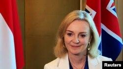 Bộ trưởng Thương mại Anh Liz Truss trả lời phỏng vấn Reuters ngày 10/12/2020 ở Singapore.