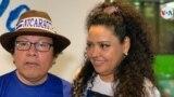 Verónica Chávez, exdirectora ejecutiva de 100% Noticias, junto a su esposo, el periodista y candidato presidencial Miguel Mora. [Foto: Houston Castillo, VOA]