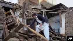 دو ماه پیش هم یک زلزلهای به انداره ۷.۵ درجه ریشتر افغانستان را تکان داده بود که تلفات انسانی نیز همراه داشت