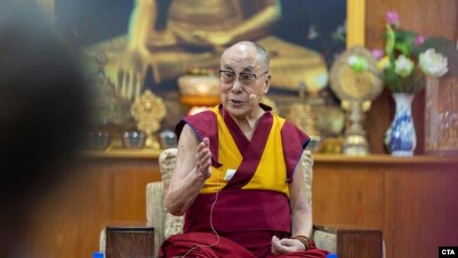 达赖喇嘛:转世与否不该由中国政府决定