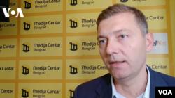 Nebojša Zelenović, gradonačelnik Šapca i lider stranke Zajedno za Srbiju, daje izjavu za Glas Amerike, 30. septembra 2018.