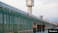 Sincan'da Uygur Müslümanlarının tutulduğu bir kamp