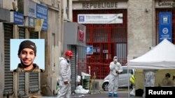 پیرس کے نزدیک واقع وہ عمارت جہاں سے پیرس حملوں کے مبینہ منصوبہ ساز کی لاش برآمد ہوئی ہے۔ چھوٹی تصویر ملزم کی ہے۔