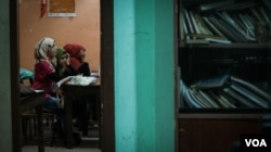 Children studying at a school in Bourj al Barajneh, a Palestinian camp in Beirut. (J. Owens/VOA)
