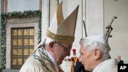 Papa Franja i njegov prethodnik, Benedikt XVI