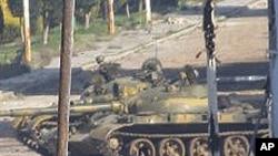 홈즈 시 근교 시리아 군의 탱크
