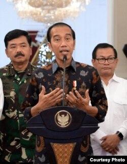 Presiden Joko Widodo menegaskan tidak akan mentolerir siapa pun yang ingin mengganggu keamanan, proses demokrasi dan persatuan Indonesia. Foto courtesy: Setpres RI