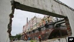 Edificio destruido pelo tsunami em 2004 na Indonésia
