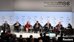 ABD'li Senatör Lindsey Graham, Norveç Başbakanı Erna Solberg, Fransa Dışişleri Bakanı Jean-Yves Le Drian ile Kanada, Japonya ve Polonya'nın dışişleri bakanları