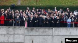 2014年11月9日,德国总理默克尔和各界要人出席纪念柏林墙倒塌25周年的活动