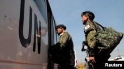 Tentara pasukan perdamaian dari Jepang tiba di bandar udara Juba untuk mengikuti misi PBB di Sudan Selatan (21/11). (Reuters/Jok Solomun)