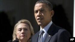 美國總統奧巴馬和國務卿克林頓9月12日在白宮就美國外交官在利比亞受襲擊死亡表達強烈譴責。