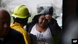 波多黎各遭受飓风玛利亚袭击之后暴发洪水,造成至少13人死亡。
