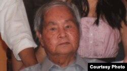Nhà văn Thế Uyên 1935-2013 (Ảnh: NguoiViet)