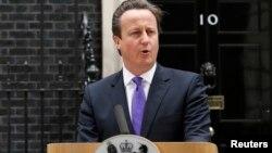 23일 군인 피살 사건에 대해 기자회견 중인 데이비드 캐머런 영국 총리