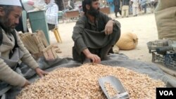 بادامدايكندی از شهرت و جایگاه خاصى در افغانستان برخوردار بوده و علاوه برمصرف در داخل، به خارج از این کشور نیز صادر مـیگردد.