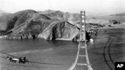 Builders at work on the Golden Gate Bridge in 1935