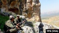 Şervanên YPGê li Efrînê