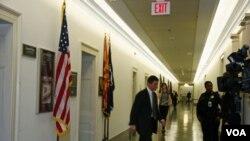 La oficina de la congresista Gabrielle Giffords en el Capitolio, recibió miles de llamados telefónicos de apoyo.