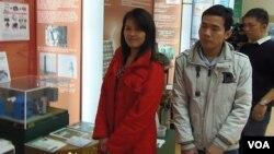 西伯利亚托木斯克一所大学的越南留学生。大批越南学生目前在俄罗斯留学,而且成绩优异。
