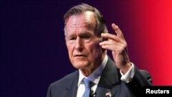 George Bush stariji