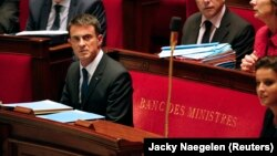 French Prime Minister Manuel Valls attends the weekly questions to the government session at the National Assembly in Paris, France, September 16, 2015. REUTERS/Jacky Naegelen - RTS1EXB