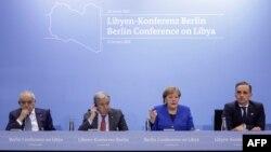 KTT Perwakilan Khusus dan Kepala Misi Dukungan PBB di Libya (UNSMIL) di Berlin, 19 Januari 2020. Dari kiri: Ghassan Salame, Sekjen PBB Antonio Guterres, Kanselir Jerman Angela Merkel dan Menlu Jerman Heiko Maas.