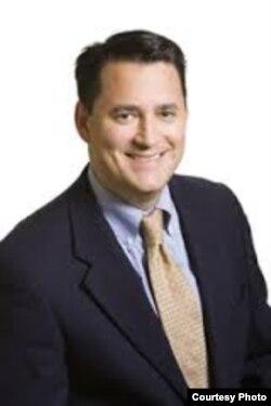 史蒂芬·格鲁福斯,传统基金会高级研究员