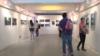 """""""雨伞节""""一共由10个展区,重现香港雨伞运动的情景。(美国之音谭嘉琪拍摄)"""