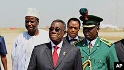Shugaban Ghana John Attah Mills,lokacinda ya kai ziyara Najeriya domin taron ECOWAS