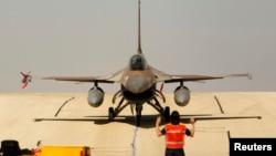 یک جت جنگنده F 16 ارتش اسرائیل