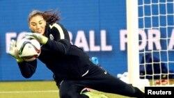 Thủ môn đội tuyển Mỹ Hope Solo tập luyện tại sân vận động Olympic hôm 29/62015.