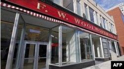 Cửa hàng Woolworth ở Greensboro, nơi có vụ ngồi lì đầu tiên, bây giờ là Viện bảo tàng và Trung tâm Dân quyền Quốc tế