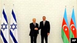 Azərbaycan prezidenti İlham Əliyev Bakıda İsrail prezidenti Şimon Pereslə görüşür. 28 iyun, 2009.