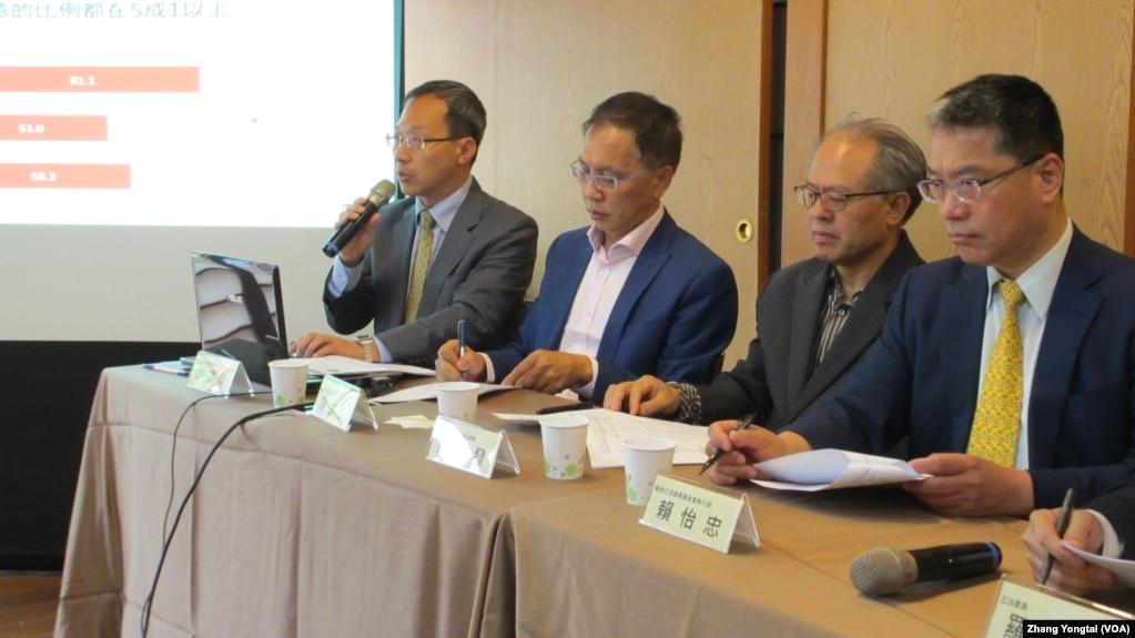 台灣兩岸政策協會發表最新民調記者會(美國之音張永泰拍攝)