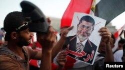 """""""...nhận thức sai lầm về những ưu tiên của người dân Ai Cập bình thường đã khiến ông Morsi phải trả giá đắt..."""""""