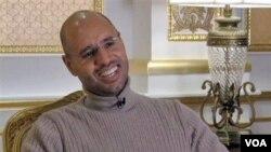 Putra pemimpin Libya, Seif al-Islam Gaddafi, dalam sebuah wawancara televisi di Tripoli, Rabu (16/3).