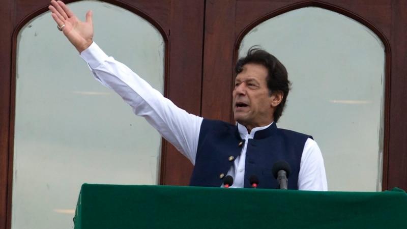 عمران خان: د کشمیر وضعیت مسلمانان سخت دریځۍ ته راکاږي