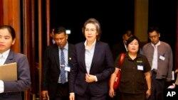 ကုလကိုယ္စားလွယ္ Yanghee Lee